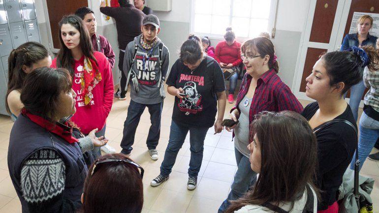 Organizaciones cipoleñas se acercaron a apoyar a familiares de la víctima.