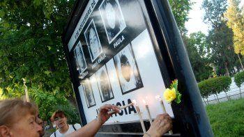 Con mucho dolor, familiares y amigos de las jóvenes asesinadas recordaron ayer lo sucedido hace 19 años.