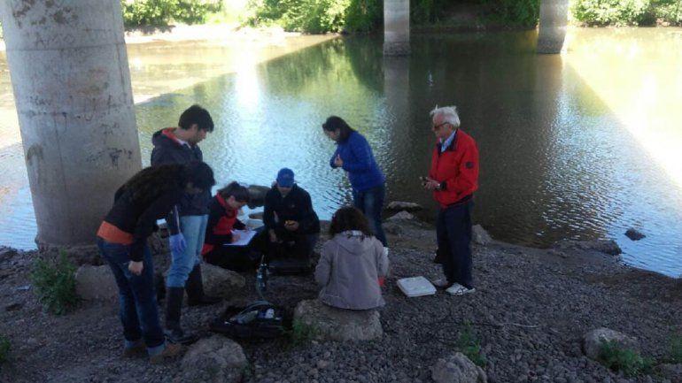 Tomaron muestras en los ríos para analizar la calidad del agua