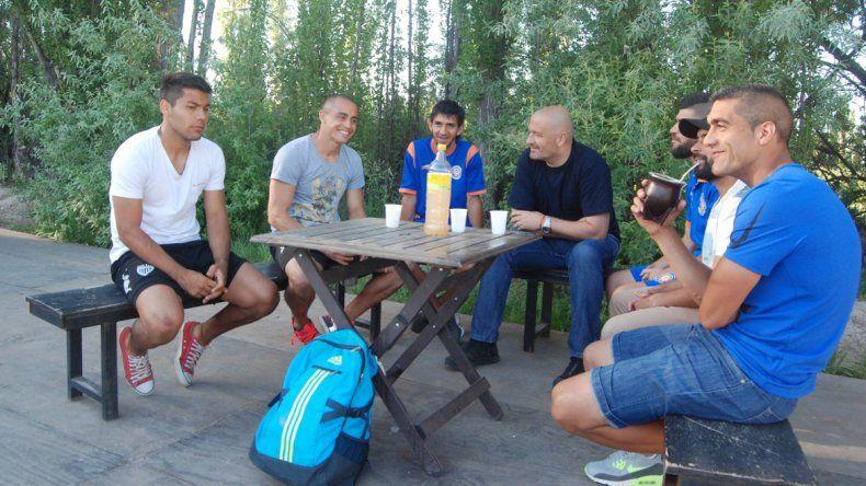El CIF y Los Humildes estuvieron en la charla con Mellado