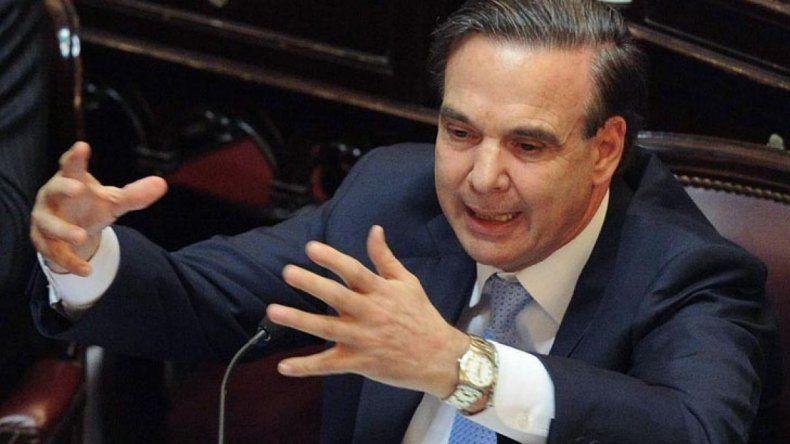 Pichetto visitará a De Vido en la cárcel y estalló la polémica