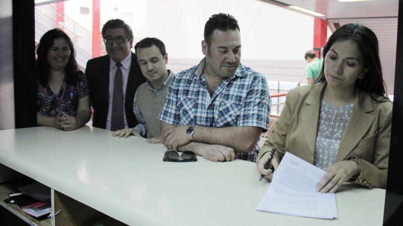 Rochás y sus pares del bloque del FpV presentaron un recurso en el STJ.
