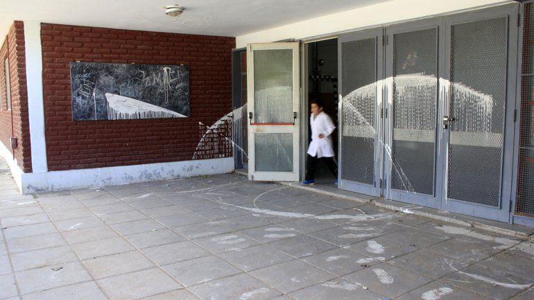 La Escuela 283 viene sufriendo el accionar de grupos de vándalos hace varias semanas. Piden un sereno.