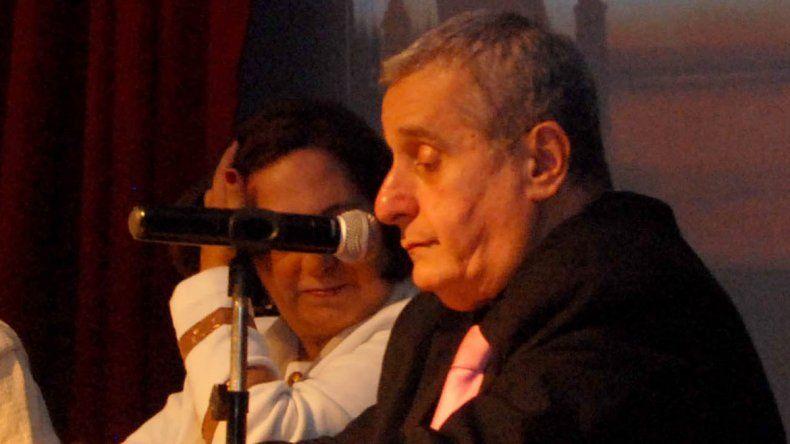 Miguel Barcos es el creador y director del grupo coral cipoleño.