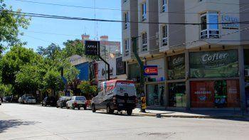 Con impunidad, los ladrones desvalijaron la oficina de Roca y Sarmiento.