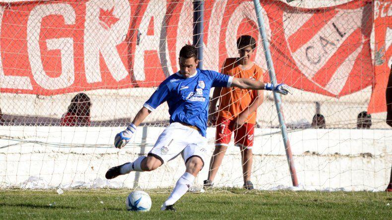 Alasia es uno de los futbolistas que han estado presentes en todos los partidos del campeonato en Cipolletti.
