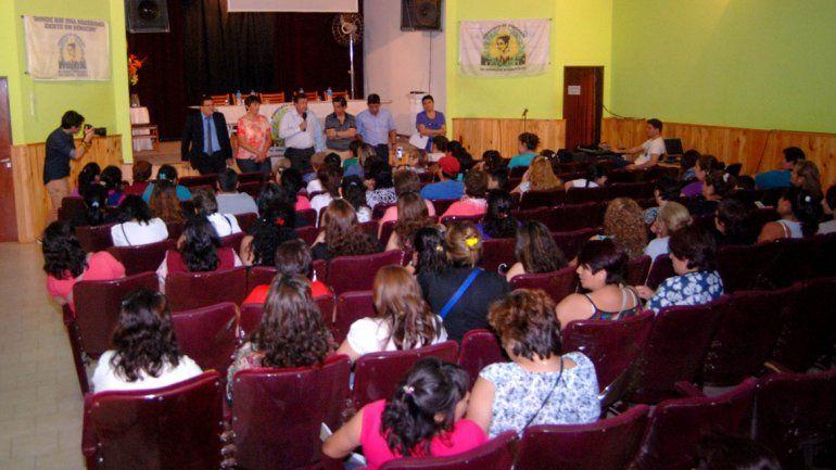 Trabajadoras domésticas de la región se reunieron el viernes con el gobernador Alberto Weretilneck en Cipolletti.