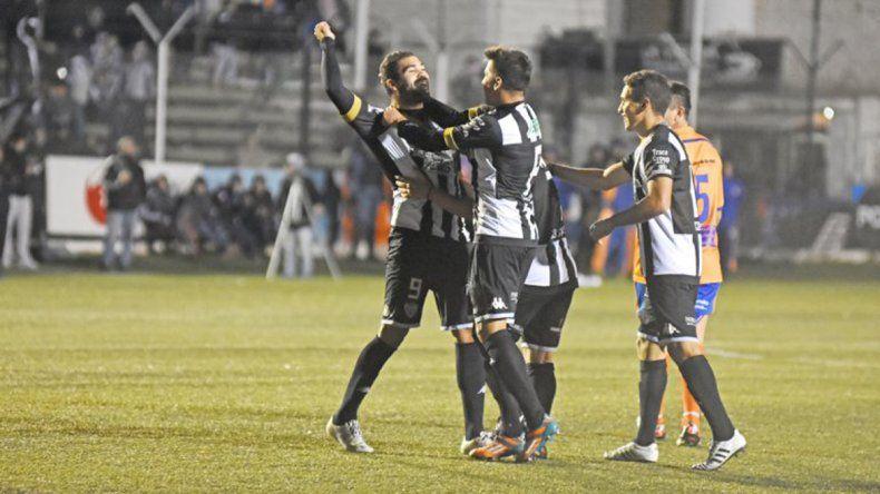 Cristian Taborda ya le marcó seis goles a Deportivo Roca