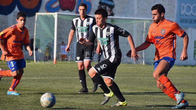 El Albinegro derrotó ayer a Mainqué a domicilio por un contundente 6 a 3.