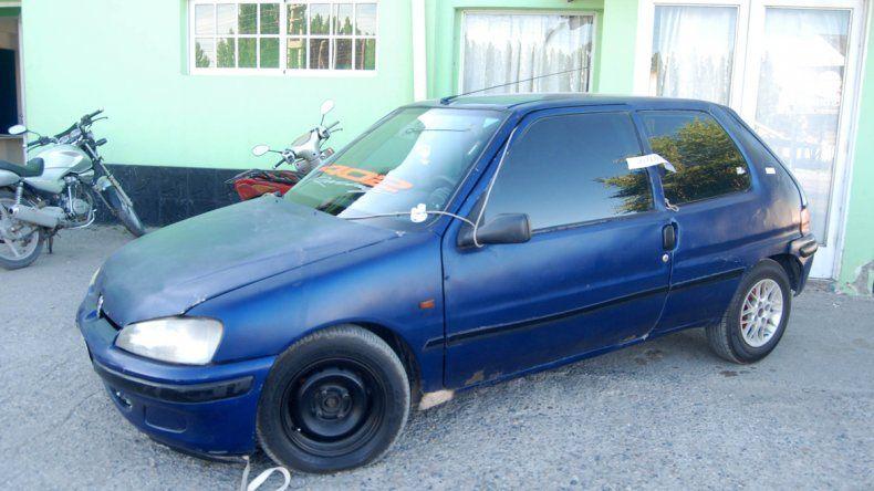 El Peugeot 306 quedó secuestrado en la Caminera cipoleña de Ruta 22.