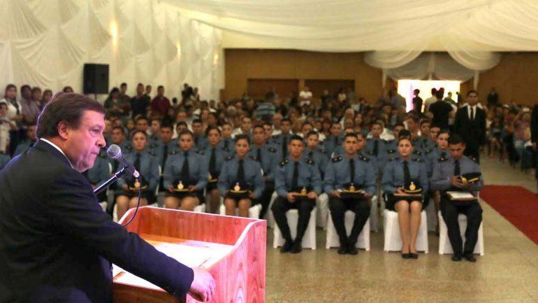Egresaron 38 agentes de policía y ya suman 705 en lo que va del año