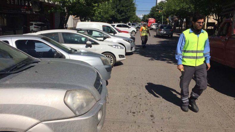Comenzaron las pruebas de estacionamiento a 45º sobre la 9 de Julio