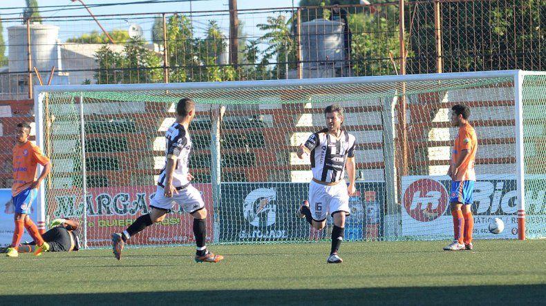 Weiner viene de marcar el gol del empate en el clásico rionegrino.