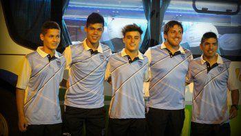 Los futbolistas y entrenadores de Pillma que viajaron a Buenos Aires.