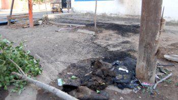 El hombre baleado fue auxiliado en Colombia y Río Negro, donde chocó la camioneta que conducía su hermano.