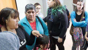 Un grupo de mujeres se unió para contener y defender a las víctimas.