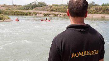 Buscan intensamente a un adolescente que se bañaba en el canal de riego y desapareció