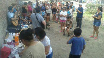 En la víspera de Navidad, se concretó una actividad solidaria y de celebración en el nuevo barrio 4 de Agosto.