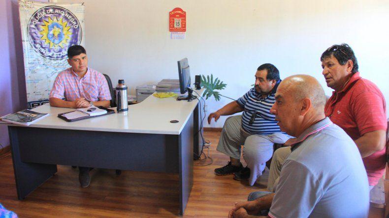 Los propietarios de taxis tuvieron un mano a mano con Miguel Elifonso.