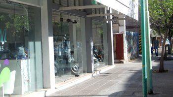 El local de motos de calle Belgrano fue escenario de dos ilícitos.