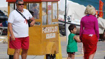 Cuando Pedro se quedó sin laburo en Alpat, buscó un trabajo que le permitiera estar al aire libre y se hizo pochoclero.