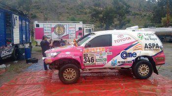 La Toyota Hilux de Alicia Reina y Dante Pelayo, en su arribo a La Paz.