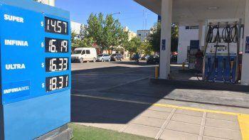 las estaciones de servicios ya venden las naftas con el 8 por ciento de aumento