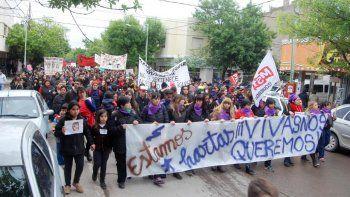 En Cipolletti, la lucha contra los maltratos a mujeres es masiva.