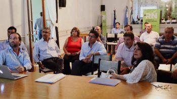 provincia y municipios controlaran la calidad del agua en los rios