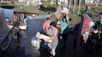 Más del 75% por ciento de la población fue evacuada.