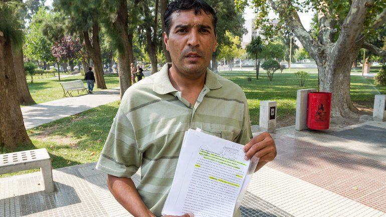Matías Villablanca pide a la Justicia que le entreguen su casa, para poder estar junto a sus hijas.