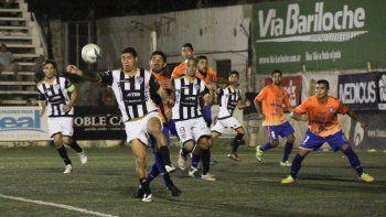 Cipo y Roca empataron 2 a 2 en La Visera en el partido de ida por la copa amistosa Canal 10. El miércoles se jugará la revancha.