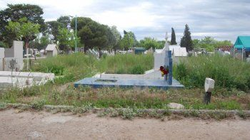 Insólito caso en el cementerio: le robaron al tío de la tumba