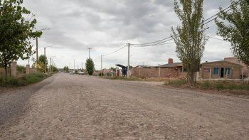 en un mes licitaran el asfalto para la calle saturnino franco