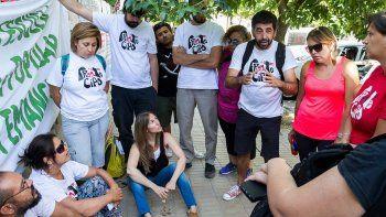 Cientos de docentes se movilizaron por las calles cipoleñas e impidieron, en la Escuela 53, la asamblea de cargos.