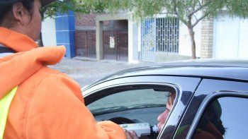 Algunos automovilistas, además de quedarse sin carnet por borrachos, también perdieron el auto, ya que no consiguieron ningún sobrio que lo retirara.