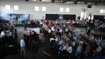Fueron 70 dirigentes los que estuvieron presentes en Ezeiza para votar el estatuto, la rescisión con FpT, los derechos de televización y la fecha de elecciones para la presidencia.