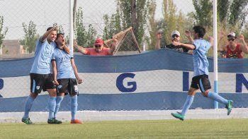Alexis Esparza grita con furia su gol para La Amistad que vale la clasificación a la segunda rueda del Federal C.
