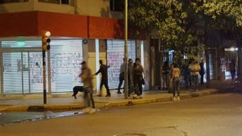 Los disturbios tuvieron como escenario el centro de Cipolletti.