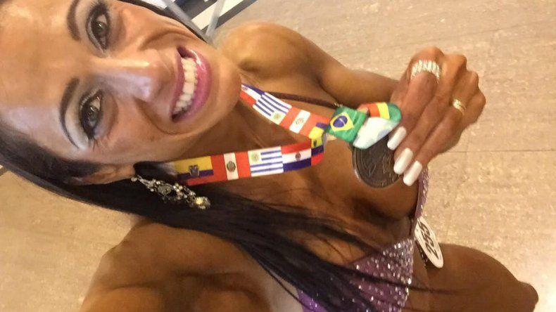 Natalia Maldonado lleva 6 años practicando fitness y ya se convirtió en subcampeona nacional en su categoría.