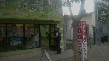 rompen la vidriera de una agencia de loteria y se roban 3 mil pesos