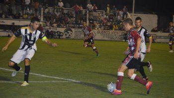 El Albinegro no jugó un mal partido, pero se vuelve con las manos vacías de Villa Ramallo.
