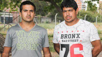 Cristian y Daniel se hicieron conocidos entre los vecinos por dormir en la calle y no encontrar trabajo.