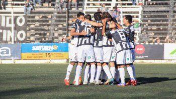 Hace una semana, el Albinegro ganó su primer partido en el nonagonal del Federal A, ante Deportivo Madryn.