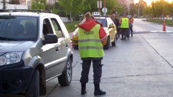 Los inspectores controlarán los decibeles de autos y de locales nocturnos.