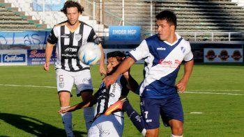 Lamolla y Mellado fueron goleadores en los partidos que hilvanó Cipo con victorias en este tramo del campeonato.