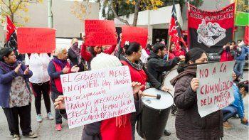 Organizaciones marcharon por más asistencia social en los barrios