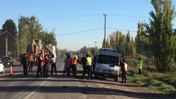 una automovilista mato a un joven en la ruta 151, se dio a la fuga y se entrego a la policia