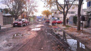 La pérdida en calle Alberdi, entre Turrín y Esquiú, causó malestar.