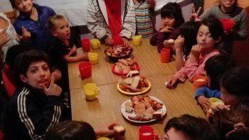 La alimentación de los niños debe ser una prioridad para todos.